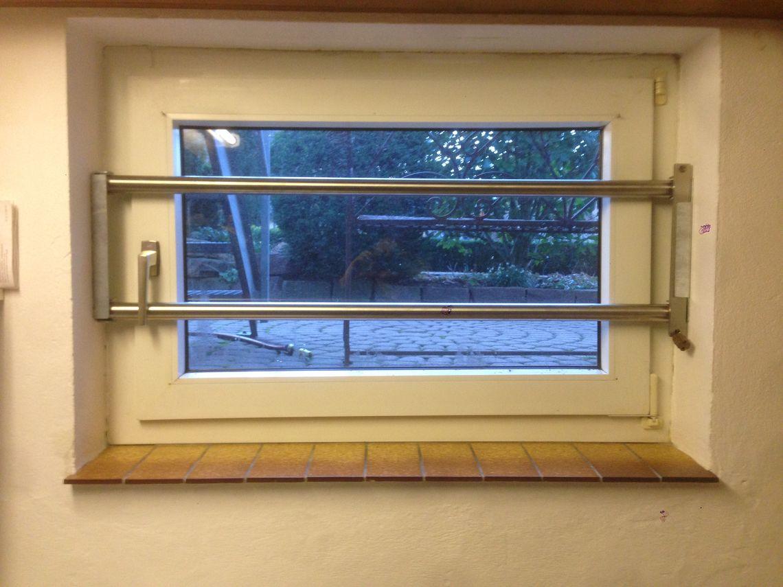 Kellerfenster Mit Gitter Kellerfenster Gitter In